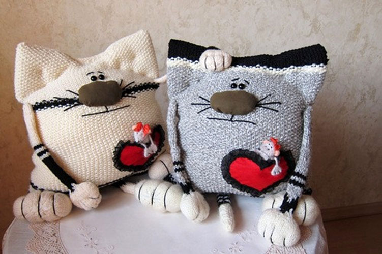Подушки для женщин своими руками фото 346